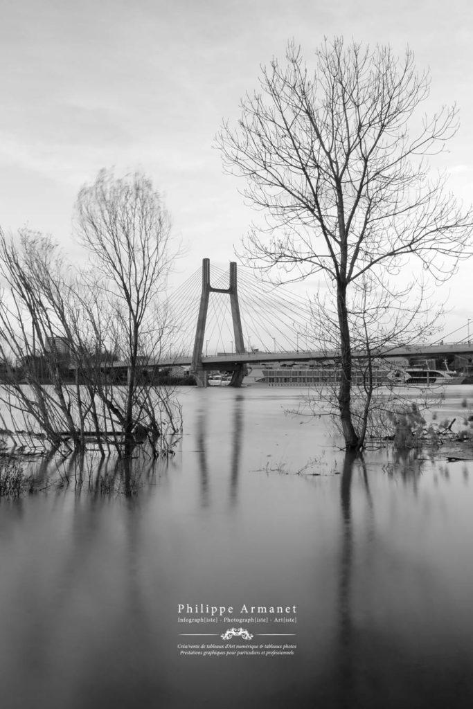Photographie du pont de Bourgogne à Chalon-sur-Saône. Tous droits réservés : Philippe Armanet.